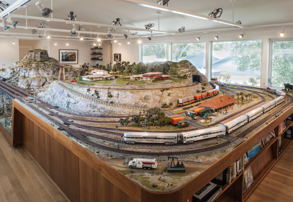 Train layout by TW TrainWorx Hester + Hardaway